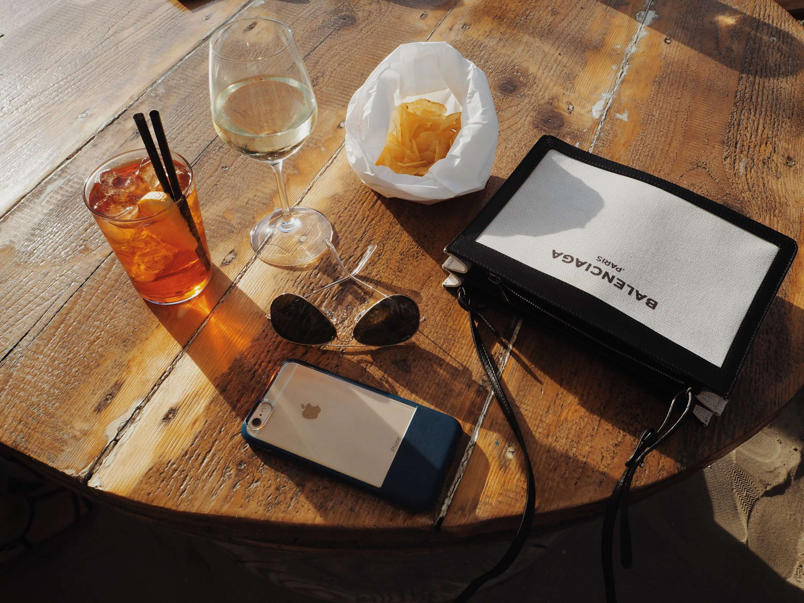 baretto-marina-romea-beach-club-hoodie-Italy-laura-gravestock- nicole-vienna-onepiece-otterbox-phone-case-summer-balenciaga-rayban