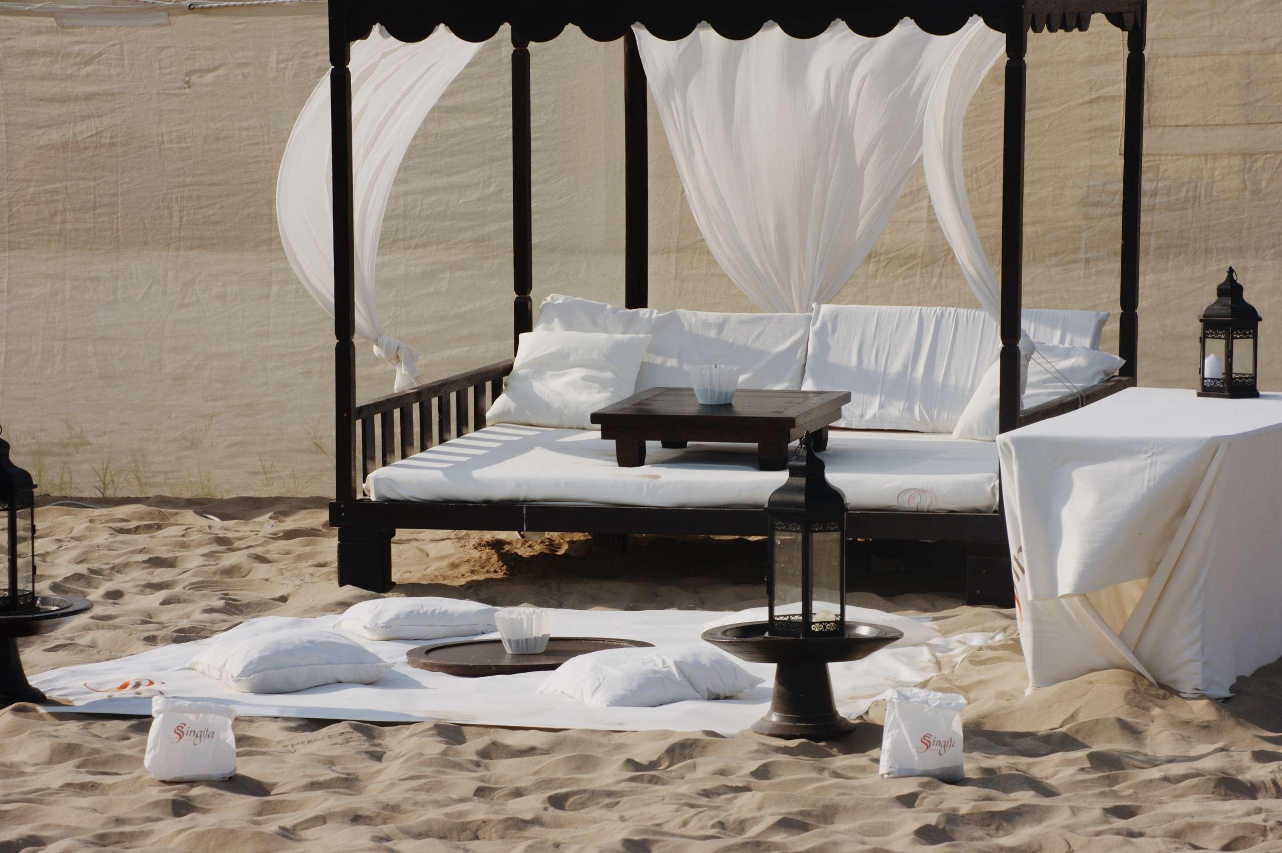 singita-marina-di-ravenna-beach-beach-club-Italy--Mejuri-otterbox-phone-case-summer-rayban-balenciaga-won-hundred